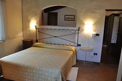 building(1.0), room(1.0), property(1.0), suite(1.0), bed(1.0), interior design(1.0), bedroom(1.0), real estate(1.0),