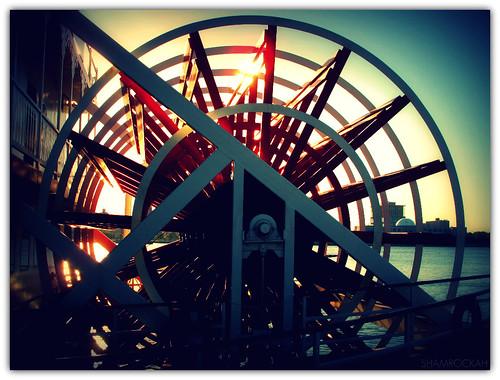 cruise usa sunrise geometry earlymorning sunny riverboat philly pennslanding delawareriver paddlewheel linesandcurves philadelphiabelle