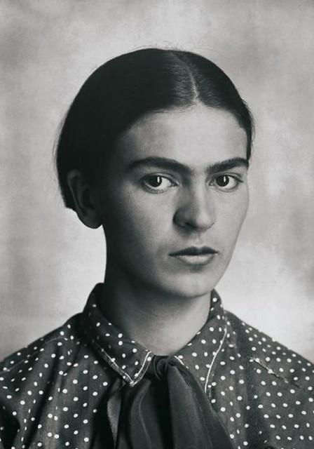 Frida_Kahlo,_by_Guillermo_Kahlo_2