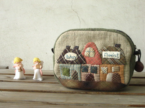 handmade applique quilted Little house pouch