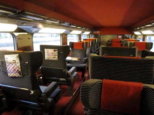 logistics the rails between paris and nice c 39 est christine. Black Bedroom Furniture Sets. Home Design Ideas