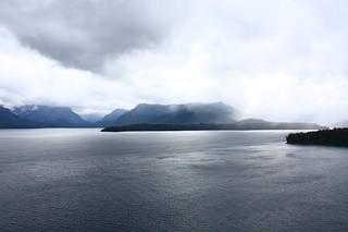 Villa Angostura overlooking Lago Nuahel Huapi - 15 minutes from Bariloche