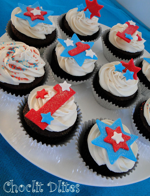 Toastmasters : 4th July cupcakes