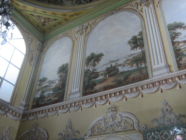 Frescoes in the Queen Mother's Chambers