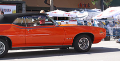 stock car racing(0.0), auto show(0.0), plymouth barracuda(0.0), automobile(1.0), automotive exterior(1.0), vehicle(1.0), antique car(1.0), land vehicle(1.0), luxury vehicle(1.0), muscle car(1.0), pontiac gto(1.0), coupã©(1.0), convertible(1.0), sports car(1.0),