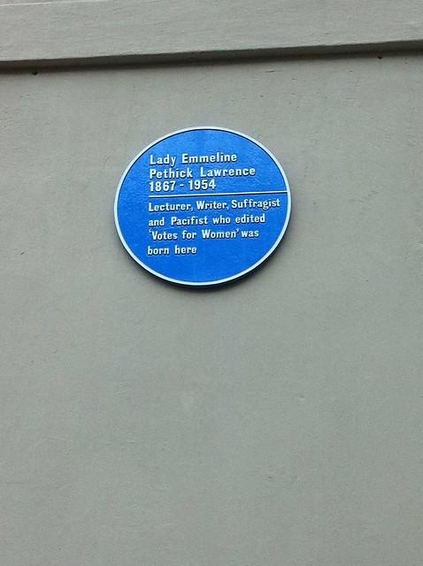 Photo of Emmeline Pethick-Lawrence blue plaque