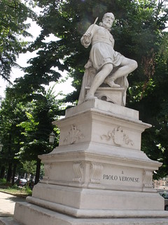 Image of Paolo Veronese. italy statue unescoworldheritagesite unesco worldheritagesite verona veneto northernitaly fiumeadige riveradige paoloveronese piazzafragiovanni