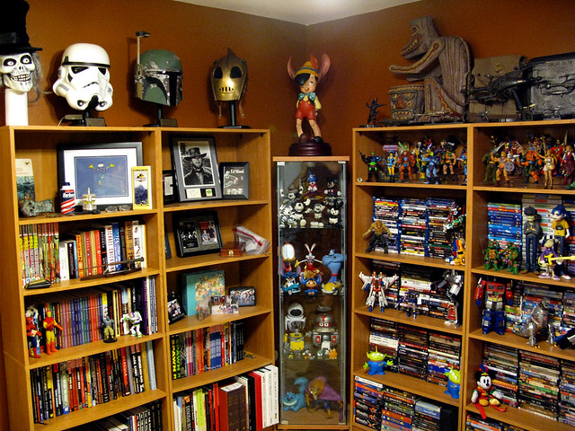 Great geek decor a gallery on flickr for Geek living room ideas
