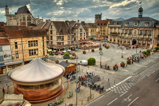 Troyes Place De L 39 H Tel De Ville Hdr Pose Longue