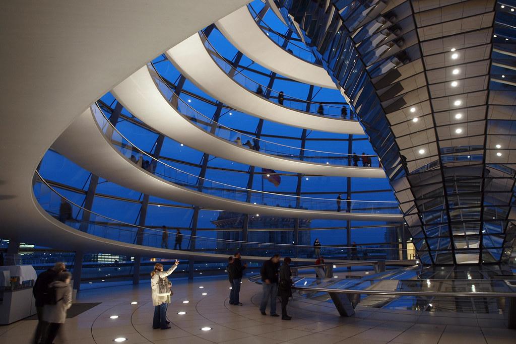 Architecture à Berlin - La coupole du Reichstag, par Norman Foster