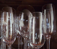 champagne(0.0), beer glass(0.0), glass bottle(0.0), wine(0.0), highball glass(0.0), drink(0.0), pint (us)(0.0), alcoholic beverage(0.0), wine glass(1.0), drinkware(1.0), stemware(1.0), tableware(1.0), glass(1.0), champagne stemware(1.0),