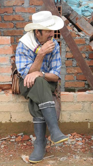 imagen de un Habitante de Génova, Quindio, durante un descanso