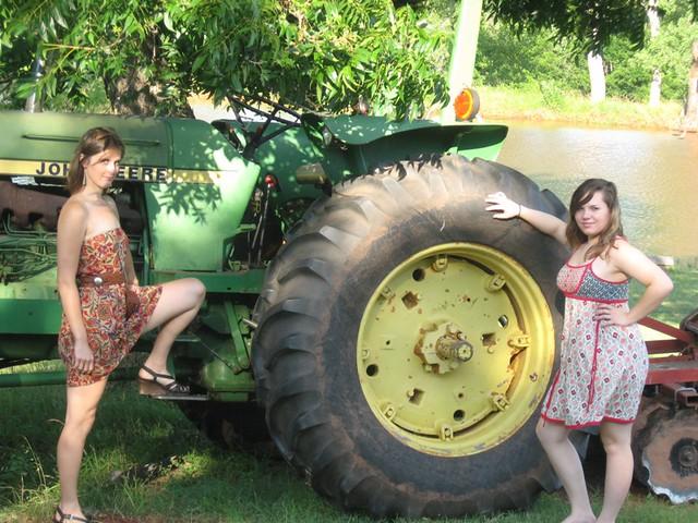 John Deere Girls : Nude girls on john deere farimg
