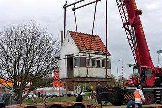 Goes, Westhavendijk: verplaatsing weegbrughuisje