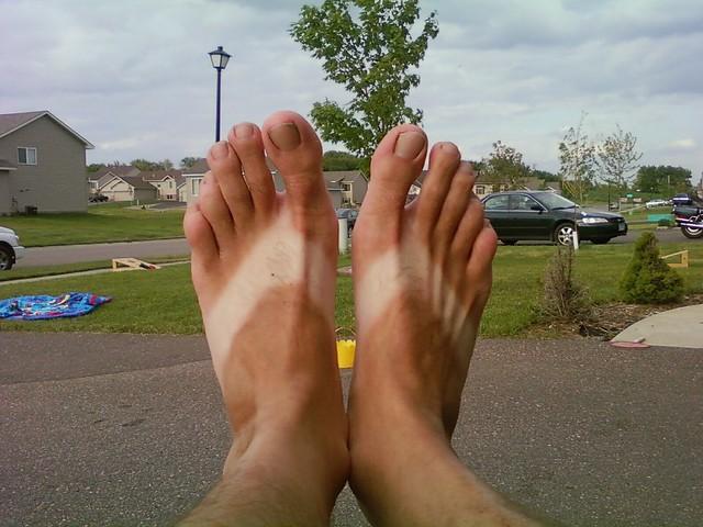flip flop tan lines