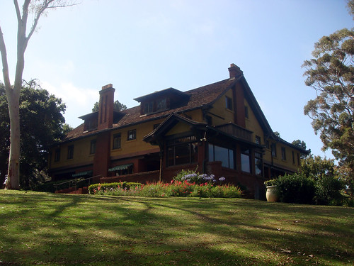 Bungalow/Craftsman Style 1900 – 1930