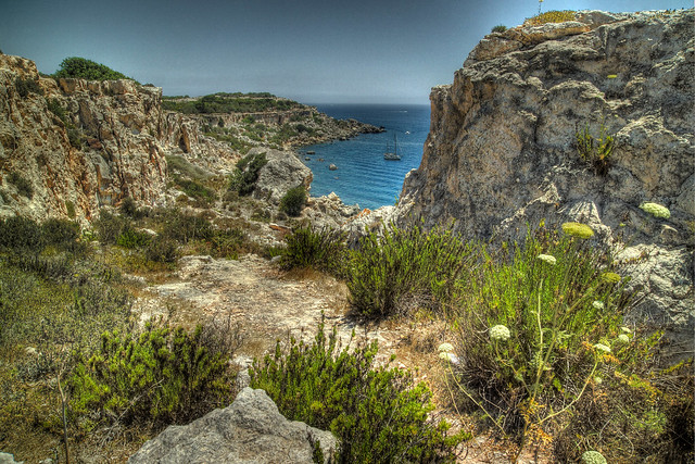 A walk along the Marfa ridge | Colorgrinder's Malta