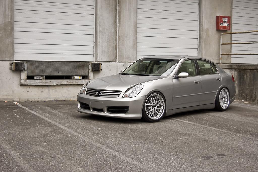 2004 infiniti g35x tire size