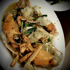 mud crab with e-fu noodles, garlic, ginger and sha…