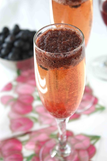 Blueberry Bellini Cocktail Recipe | Flickr - Photo Sharing!