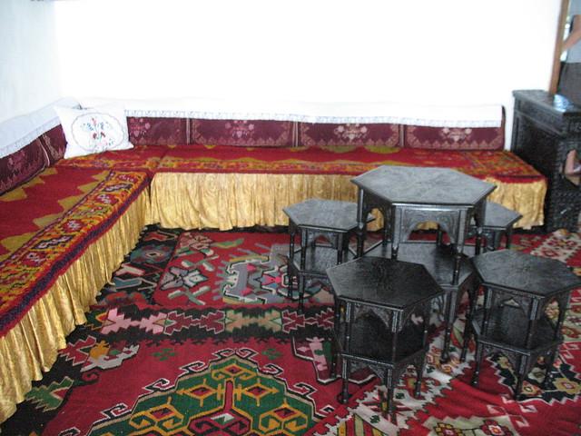 Salon de la maison turque mostar flickr photo sharing for Salon turque