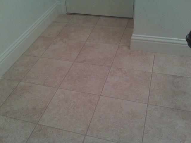 Laminate flooring install laminate flooring dupont for Dupont flooring