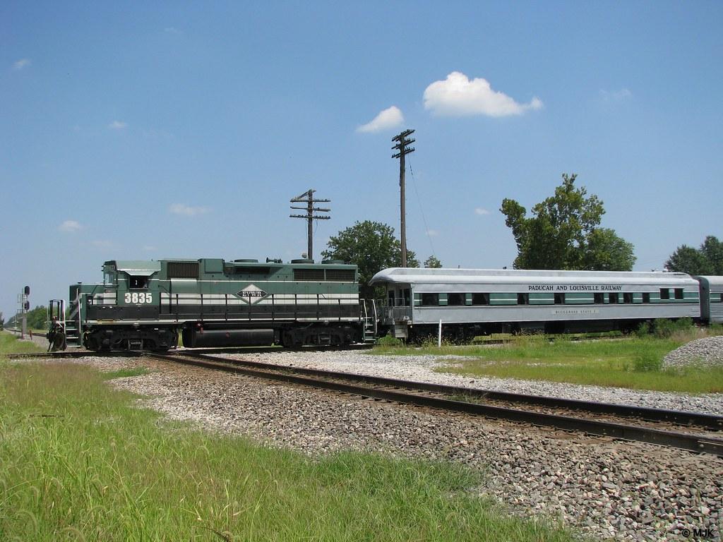 EVWR #3835 at Ashley, Illinois ~ Business Train