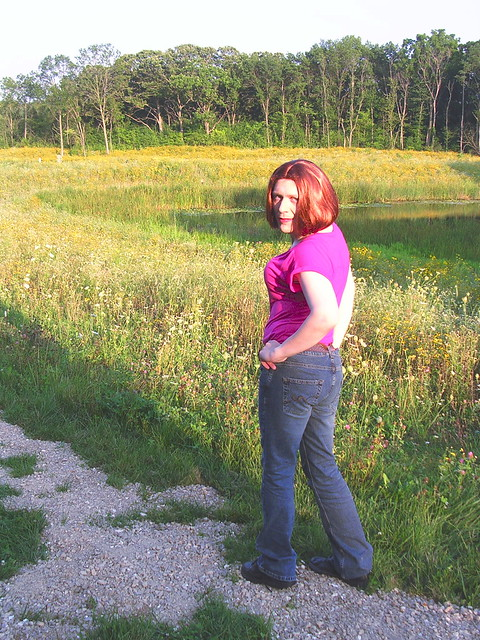 Nature trail in pink top & jeans
