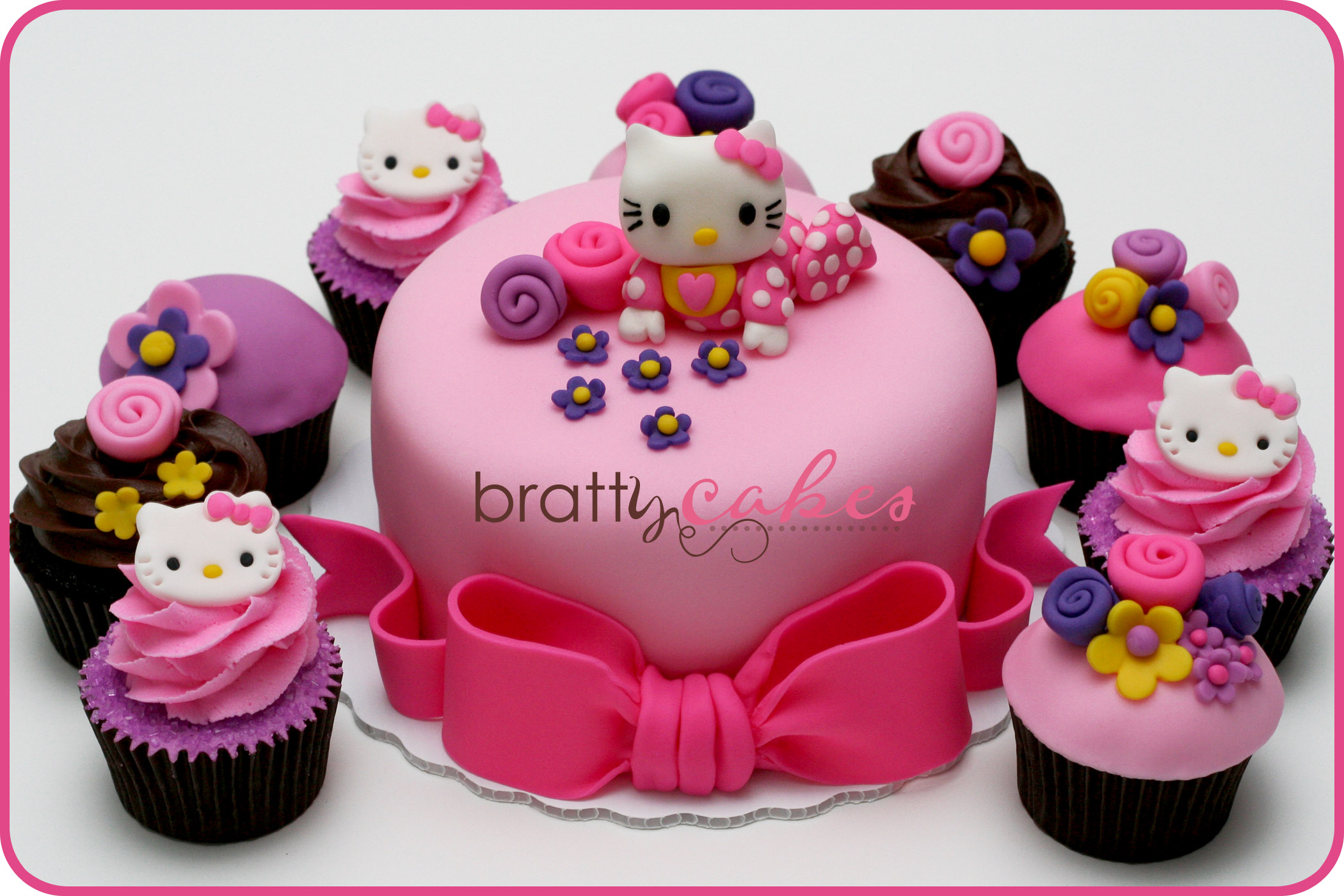 cupcake design hello kitty cupcake original home decoration live. Black Bedroom Furniture Sets. Home Design Ideas
