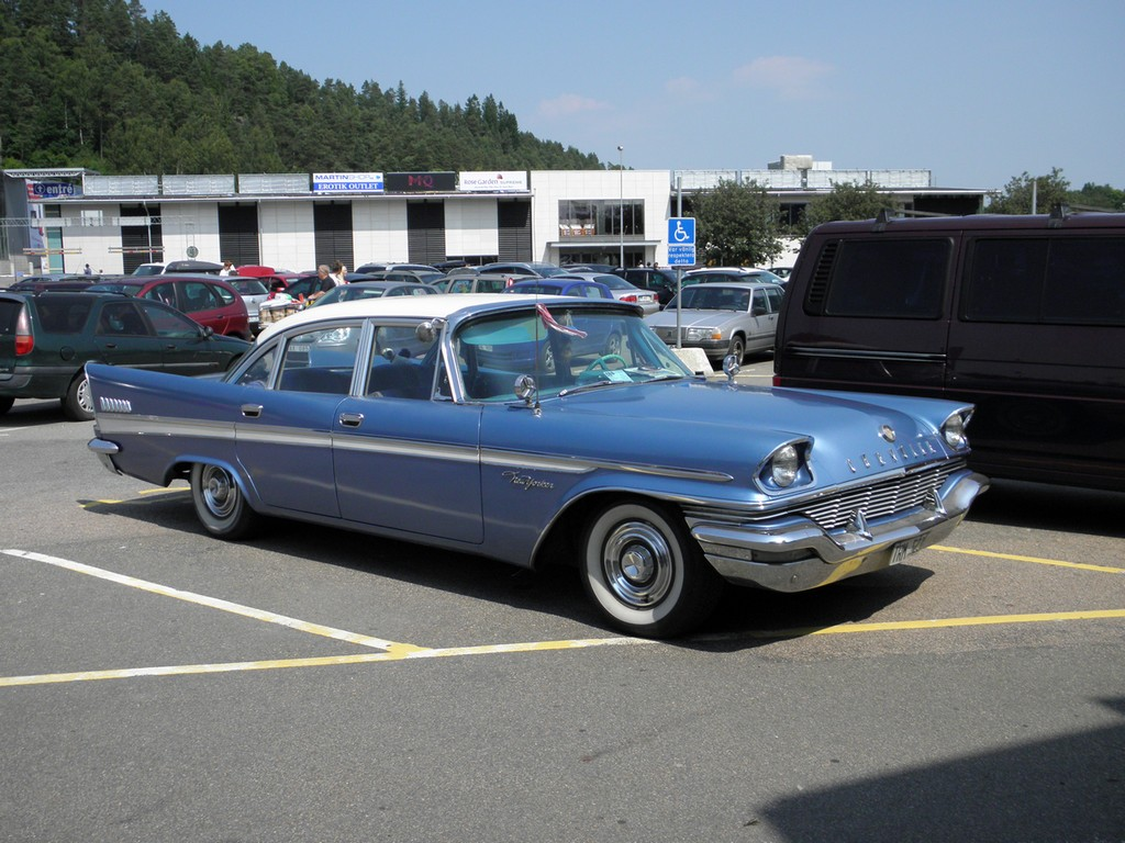 1957 chrysler new yorker 4 door sedan a photo on flickriver for 1956 chrysler new yorker 4 door