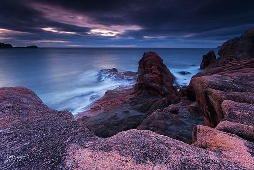 ocean winter seascape storm clouds sunrise rocks cliffs tasmania pinkgranite freycinetnationalpark nikond700