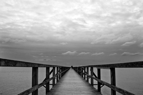bridge sky people bw seascape beach water silhouette blackwhite skåne sweden öresund bjärred canonefs1785mmf456isusm