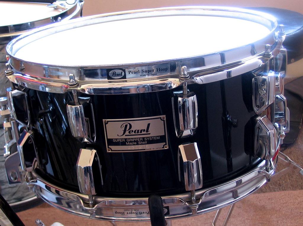 Pearl GLX snare drum