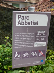 Photo of Parc Abbatial purple plaque