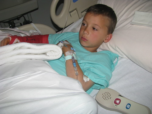 Robey in hospital with broken arm - May 2010