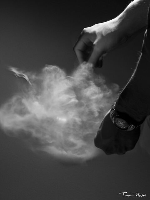 Explosión de humo