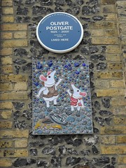 Photo of Oliver Postgate blue plaque