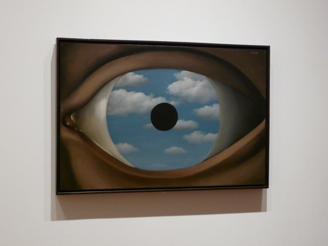 Le faux miroir ren magritte 1928 flickr photo for Rene magritte le faux miroir