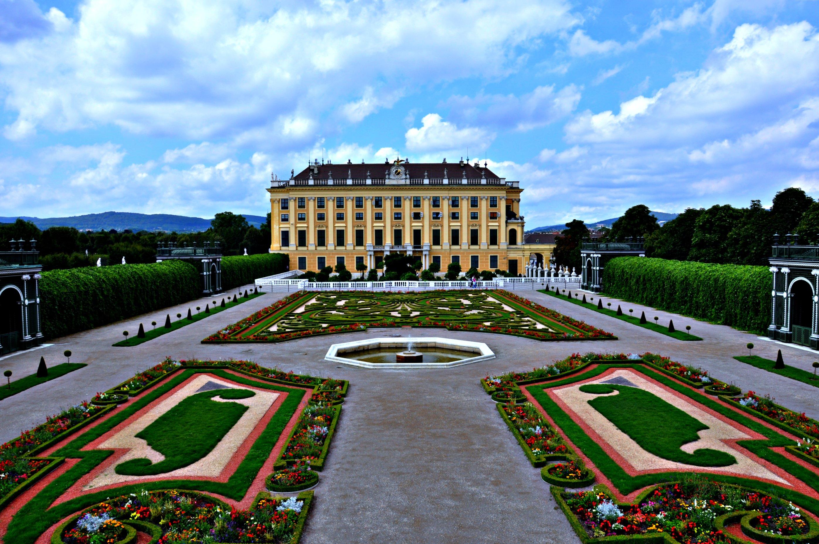 Schonbrunn Palace - Vienna Travel Guide