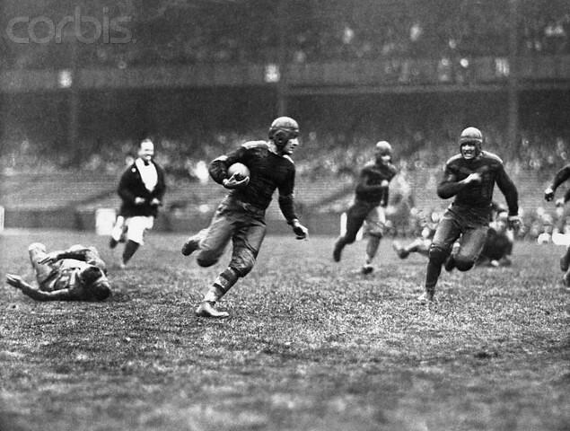 Red Grange gaining yardage against the L.A. Wildcats at Yankee Stadium 1926