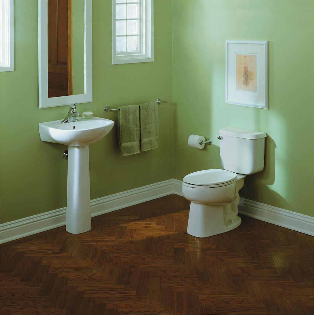 Sacramento® Pedestal Lavatory With The Windham™ Toilet