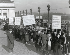 Hosiery workers call for end to silk boycott: 1938