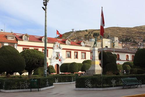 plaza peru perú puno plazadearmas mainsquare palaciodejusticia