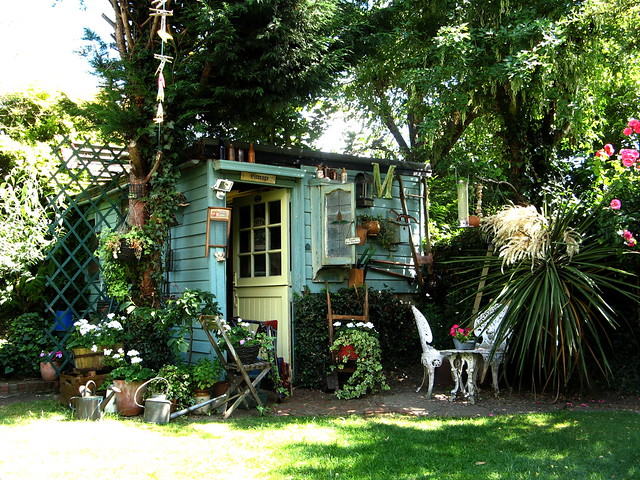 Pretty shed in isleworth flickr photo sharing for Pretty garden sheds