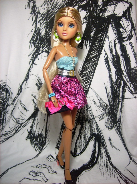 4753748199 1d3d9d31bf z 2004 MATTEL TEEN TRENDS COURTNEY DOLL + CLOTHES SHOES + BOX/CARRYING CASE is ...
