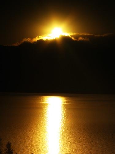 light cloud sun lake reflection water sunrise gold us colorado unitedstates
