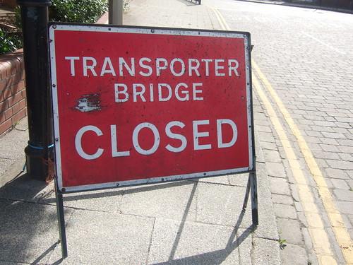 Closed transporter bridge