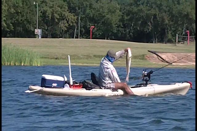 Fishing kayak for under 200 kayak fishing texas for Best fishing kayak under 600