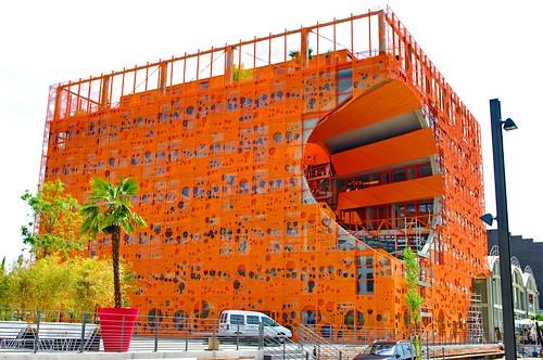 Lyon Confluence Le Cube Orange 11
