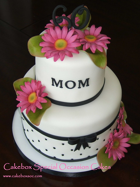 Moms Daisy Cake  Think this is my new favorite cake. Made ...